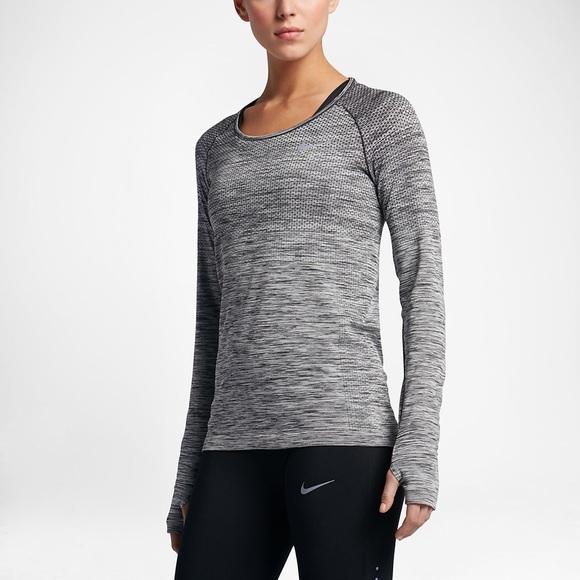 fa55bc8abad5 Nike Drifit Knit Long Sleeve Running Top S